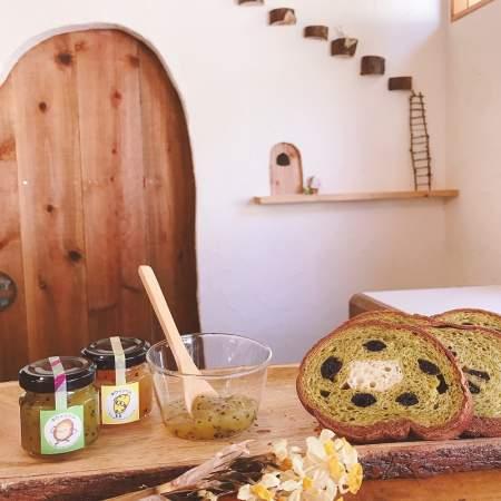 「キウイおばさんの作るキウイ丸太パンケーキ&ジャムセット」商品写真サムネイル